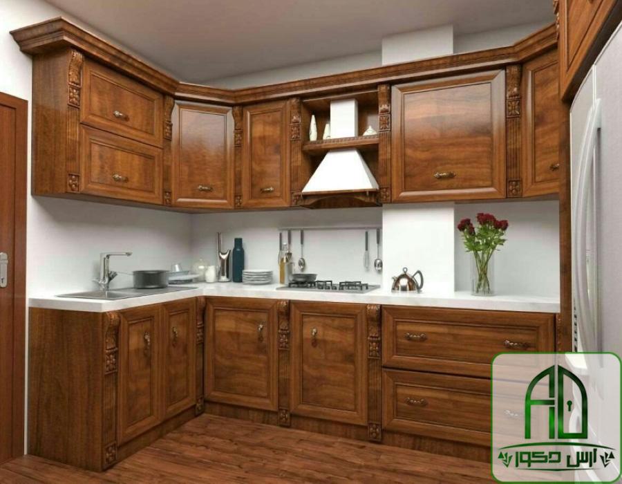کابینت-تمام-چوب-در-اشپزخانه-به-رنگ-قهوه-ای