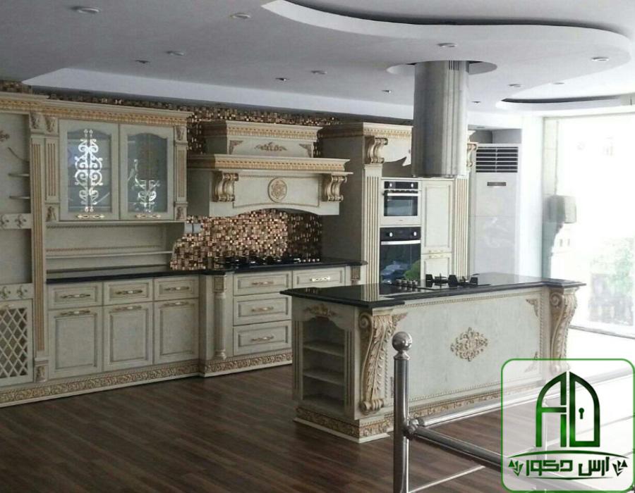 کابینت-تمام-چوب-با-طرح-کلاسیک-زیبا
